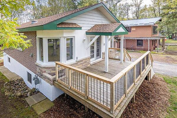 9637 Joanne Ave, Grand Bend, Ontario