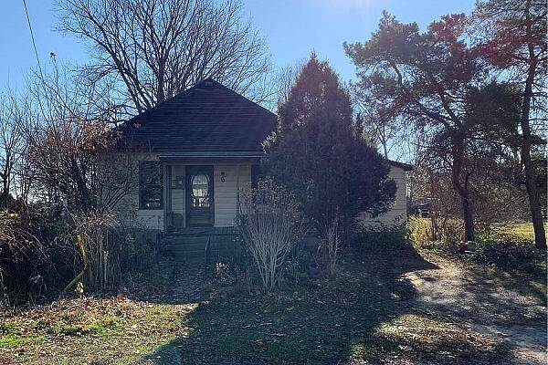 6 Middlemiss Ave, Middlemiss, Ontario