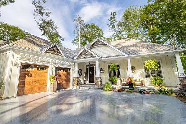 10116 Red Pine Rd, Grand Bend, Ontario