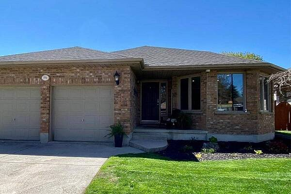 394 Riverview Dr, Strathroy, Ontario