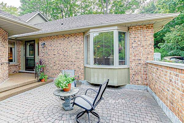 1443 Commissioners Rd #27, London, Ontario